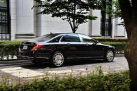 """「S600ロング」と比べて全長は210mm、ホイールベースは200mm長い。それに伴いルーフの形状も変更されており、Cピラーにクオーターウィンドウを持つ""""6ライト""""とされた。"""