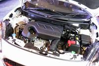 「バレーノ」にも採用されている1リッター直3直噴ターボエンジン。102psの最高出力と15.3kgmの最大トルクを発生する。