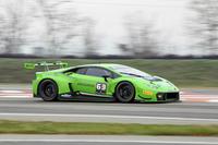 FIA-GT3規定にのっとって開発された「ウラカンGT3」。FIA-GT3規定は、文中のブランパン耐久シリーズのほかにも、さまざまなモータースポーツで車両規定として用いられている。日本のSUPER GTでも、ウラカンの活躍する姿が見られるかもしれない。
