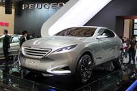 「プジョーSXC」は、ミドルサイズのSUVコンセプト。デザインは中国で行われた。
