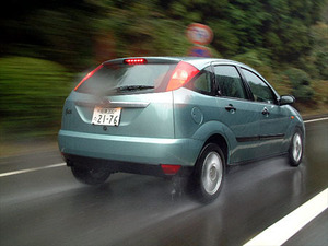 フォード・フォーカス2000GHIA 5ドアハッチバック(4AT)【試乗記】