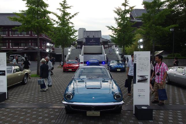 「MASERATI 100th Anniversary in Japan」の舞台となったのは、東京・芝の増上寺。会場には2台の特別仕様車に加え、希少な6台の新旧マセラティが展示されていた。