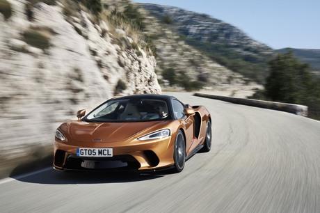 圧倒的な動力性能を持つスーパーカーでありながら、快適性や利便性も徹底追求したという「マクラーレンGT」...