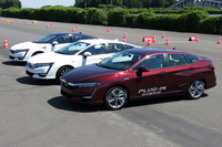 今回のイベントで最初に試乗した「クラリティ」シリーズの3台。既出の燃料電池車に加え、同じ車台をベースとしたPHEVとEVが追加投入される。
