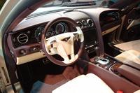 運転席まわりの様子。操作ボタンやサンバイザーなどを除くほとんどのパーツが、モデルチェンジに際して新たに作り直された。
