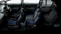 「1.8A」はダークグレー内装にブラックシート(写真)と、グレージュ内装にグレージュシートが選べる。