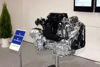 新開発の2.4リッターガソリンエンジン。