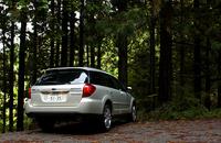 【スペック】 3.0R:全長×全幅×全高=4730×1770×1545mm/ホイールベース=2670mm/車重=1510kg/駆動方式=4WD/3リッター水平対向6 DOHC24バルブ(250ps/6600rpm、31.0kgm/4200rpm)/車両本体価格=300.0万円(テスト車=345.5万円/クリアビューパック/濃色ガラス/VDC/クルーズコントロール/ビルトインDVDナビゲーションシステム/アイボリーレザーセレクション) (S)