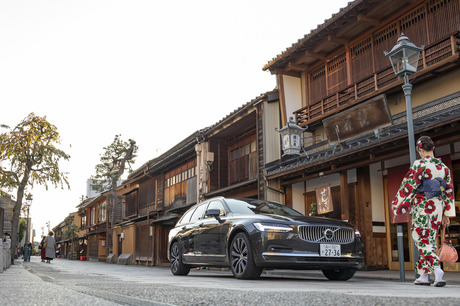 48Vマイルドハイブリッド搭載の「ボルボV90 B6 AWDインスクリプション」で、古都・金沢まで約650kmの道のり...