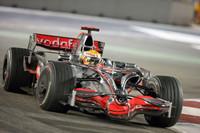 マクラーレンは、1999年ミカ・ハッキネン以来となるドライバーズタイトルを獲得。コンストラクターズタイトルはフェラーリに奪われランキング2位だった。(写真=Mercedes Benz)