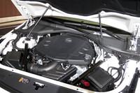新開発の3.6リッターV6直噴エンジン。最高出力340ps、最大トルク39.4kgmを発生する。