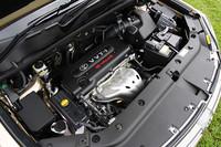 2.4リッター+CVT+FFのこの仕様だと、10・15モード燃費は13.0km/リッターに達するという。燃費の良さは、ライバルと比較した場合の大きなアドバンテージだ。