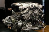VWが押す6リッターW型12気筒ツインターボエンジン。最高出力560psを誇る
