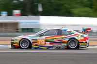 ごらんのように、「アートカー」としてカラフルなカラーリングが施されたBMWもコースを疾走。