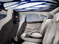 「BMWコンセプト アクティブ ツアラー」の詳細な画像はこちらでチェック