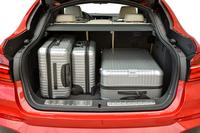 荷室の様子。開口部の広いテールゲートもセリングポイントのひとつ。