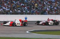 サム・ホーニッシュJr.(左)は、シリーズ史上10番目の僅差で2位に甘んじた。その後ろは今回6位に終わったダン・ウェルドン。ウェルドンは262点で堂々ランキング首位をキープ。2位カナーンとの間には65点ものギャップがある。(写真=トヨタ自動車)