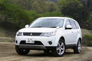 三菱アウトランダー G7人乗り(4WD/CVT)【試乗記】