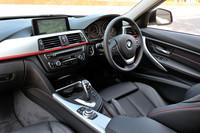 「スポーツ」には3種類のインテリアトリムが用意される。テスト車のアルミトリムは「マット・コーラル・レッド・ハイライト」と呼ばれるもの。
