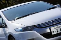 燃料電池車「FCXクラリティ」を想わせる外観で先進性をアピール。細めヘッドライトのこのマスクは、もはや「ホンダ顔」として定着しつつある?