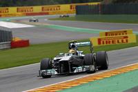 4戦連続のポールポジションから一転、スタート直後2位に落ち、最初のピットストップを終えるとアロンソにも抜かれ結果3位に終わったハミルトン。ダウンフォースが低めのコースはメルセデスの得意とするところではなく、「次のイタリアGPの後に控えるシンガポールGPでは競争力を取り戻す」とコメント。今季最速マシンは、レースでなかなか安定しない。(Photo=Mercedes)