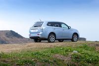 今回のもう一人(一台?)の主役である「三菱アウトランダーPHEV」。三菱自慢の4WD技術とプラグインハイブリッドシステムを組み合わせることで、高い走破性と優れた燃費性能を両立している。