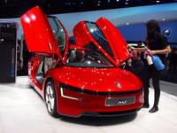 """VWグループの主役は""""悲願のエコカー""""「XL1」【ジュネーブショー2013】の画像"""