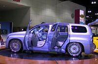 【LAショー2005】GM、フォード、クライスラー――ビッグスリーも重視