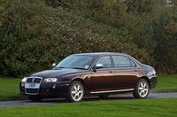 【スペック】Limousine:全長×全幅×全高=4950×1780×1420mm/ホイールベース=2950mm/2.5リッターV6DOHC24バルブ(177ps/6500rpm、24.5kgm/4000rpm)