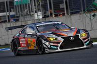 GT300クラスで勝利したNo.51 JMS P.MU LMcorsa RC F GT3(中山雄一/坪井 翔)。今回は、GT500クラスとあわせ、レクサス勢が強さを見せつけた。