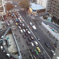 同じく銀座。東京サラリーマン時代のボクにとって、B級海外映画の宝庫であった銀座シネパトス跡(道路の両側)は、いまも工事が続いていた。
