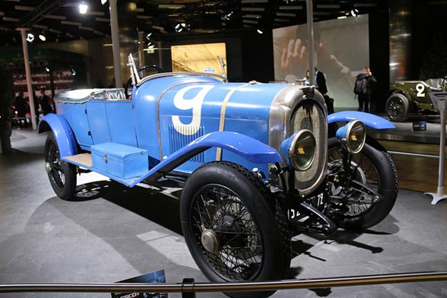 記念すべき1923年の第1回ルマンで総合優勝を果たしたフランス車「シュナール・ワルカー スポール」。普段はルマンの24時間レースミュージアム蔵。