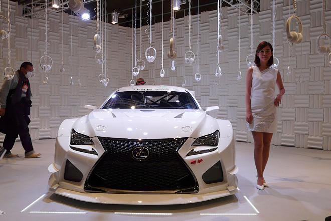 レーシングマシン「LEXUS RC F GT3 concept」(2015年度より世界各国にデリバリー予定)