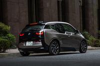 テスト車は「BMW i3」のレンジ・エクステンダー搭載車。容量21.8kWhのリチウムイオンバッテリーに加え、発電用の2気筒ガソリンエンジンを装備している。