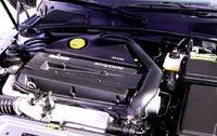 ターボのコントロールが巧みな2.3の4気筒。世界の4気筒の中でかなりいいエンジンの一つ。
