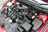 SKYACTIV-Gエンジンは、CNGインジェクターにコントロールユニット、CNGタンクの追加など、小規模な変更でバイフューエル化が可能。