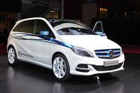 2013年の市販が予定されている「Bクラス」の天然ガス仕様車「B200ナチュラルガスドライブ」。