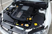 GT系に積まれる、2リッター水平対向4DOHC16バルブターボ。写真はツーリングワゴンのもの。