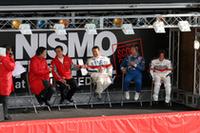 パドックで行われた「GT監督トークショー」。右から近藤真彦、星野一義、長谷見昌弘の各チーム監督、そしてニスモの柿本総監督。