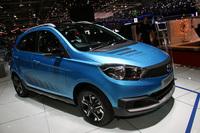 その他の会場展示車両から。インドのタタが発表した1.2リッターの小型車。当初計画の車名「Zica」がジカ熱を連想させることから、ポルトガル人男子の名前としてポピュラーな「ティアーゴ」という名前が急きょ与えられた。