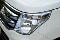 「ワゴンR FZ」には、ブルーの加飾が入ったヘッドランプや、LEDイルミネーションランプなどが装備される。
