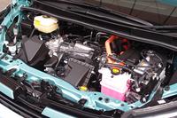ハイブリッド車のパワーユニット。いまやハイブリッド車の代名詞となった「プリウス」のものが採用されている。