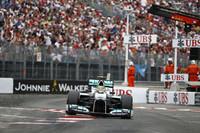 抜けないモンテカルロで賭けに出たロズベルグ(写真)。1位ウェバーより2周早いタイミングでピットストップを行い、アンダーカットを狙ったが、メルセデスがレッドブルの前に出ることはなかった。(Photo=Mercedes)