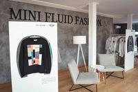MINIが設営したパビリオンのエントランス。新進クリエイターたちを起用して制作したスウェットシャツを出展した。