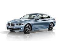「アクティブハイブリッド5」には、BMWのハイブリッド車として初めて右ハンドル仕様が設定される。