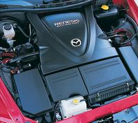 エンジンは、仕向地によって、じゃっかん出力が異なる。6段MTと組み合わされるハイパワー版=250ps/240ps(日米豪/欧州)。スタンダード=210ps/192ps。スタンダードモデルのトランスミッションは、日本が5段MTと4段AT、北米とオーストラリアはATのみ、ヨーロッパは5段MTのみとなる。