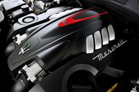 3.8リッターV8ツインターボエンジンは530psと66.3kgmを発生。オーバーブースト時にはトルクは72.4kgmに達する。