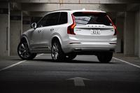 テスト車はプラグインハイブリッド車の「T8 TWIN ENGINE AWD インスクリプション」。「XC90」の最上級グレードにあたる。