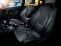 「フォード・フィエスタ」に本革シートの限定車の画像