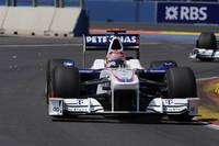 2009年シーズン終了をもってF1から撤退することを表明しているBMW。苦戦が続くなか軽量シャシーを持ち込み、2人のドライバーは戦意を奮い立たせていた。ロバート・クビサ(写真)は予選10位から8位完走で1点獲得、ニック・ハイドフェルドは11番グリッドから這い上がれず11位でレースを終えた。(写真=BMW)